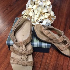Vionic Gold Cork Embellished Sandals